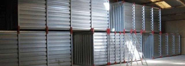 Boxes de self-stockage superposés sur 2 niveaux