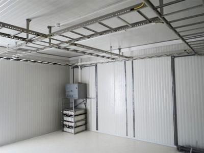 Aménagement intérieur d'un conteneur technique